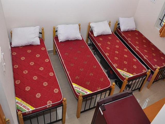 luxury mens hostel in ameerpet